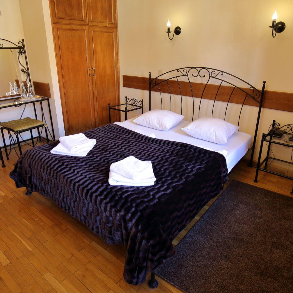 Pokoje 2-osobowe z łożem małżeńskim